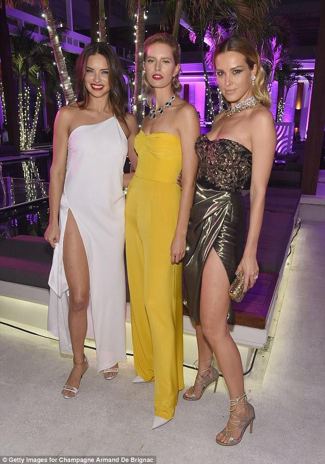 Wow: Adriana, Karolina and Petra made a pretty attractive threesome