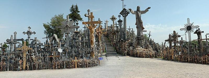 Fil:Hill-of-crosses-siauliai.jpg
