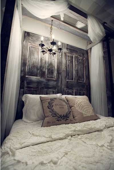 ideas_reciclar_decorar_puerta_antigua_23