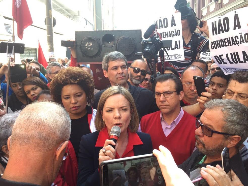 Gleisi Hoffmann fala durante evento do ex-presidente Lula (Foto: Will Soares/G1)