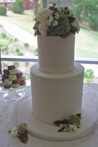 Country wedding by Louisa Morris Cakes