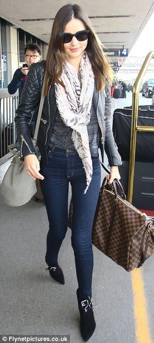 Super elegante viajante: Na terça-feira Miranda foi visto deixando o aeroporto LAX