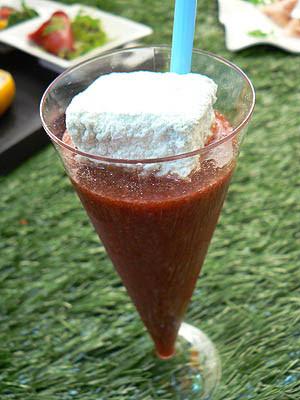 gaspacho fraise balsamique et guimauve à l'estragon.jpg