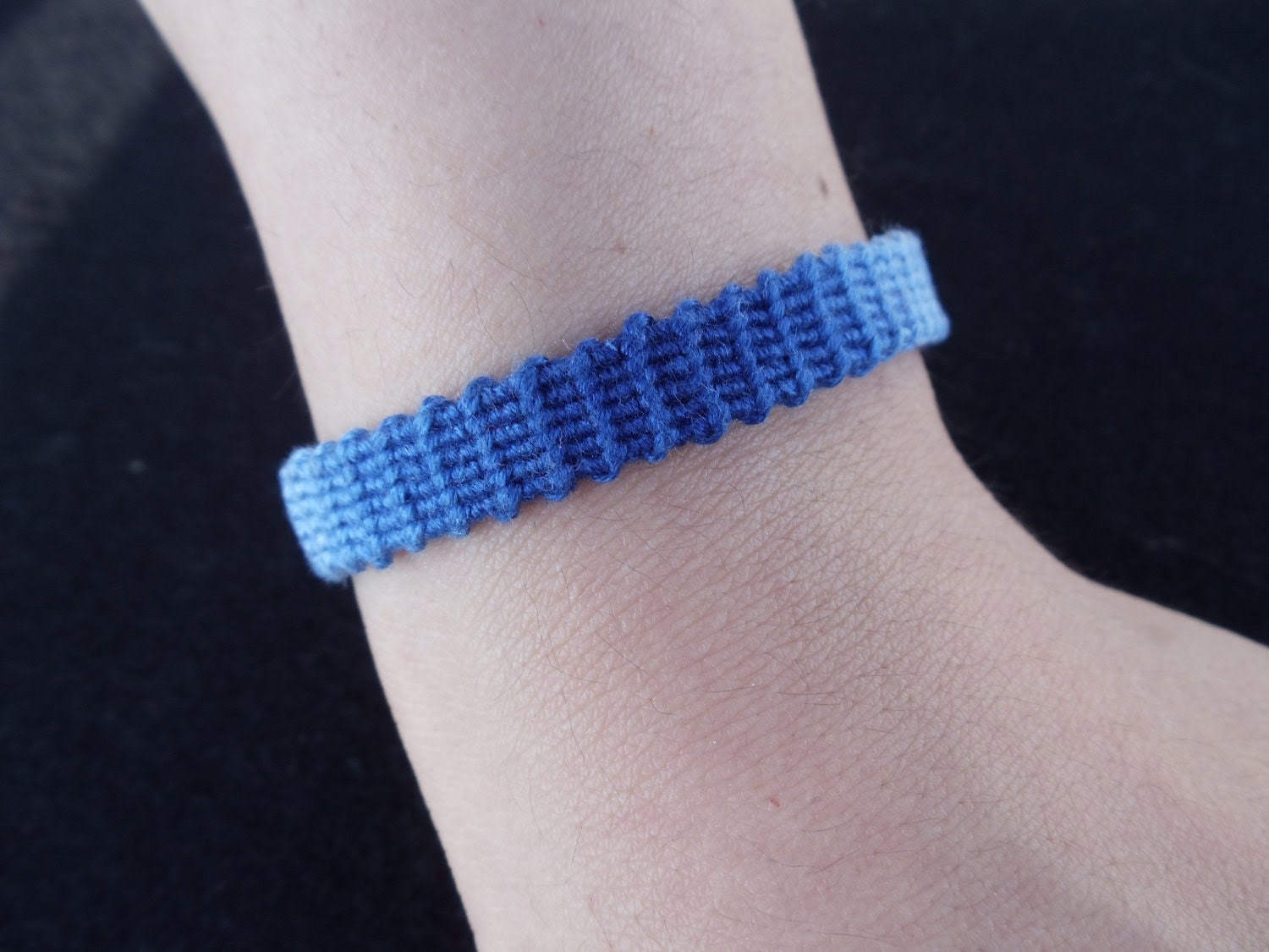 Friendship Bracelet (Blue - Colour Changing)