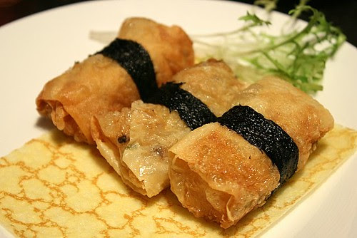 Prawn rolls in beancurd skin, deepfried