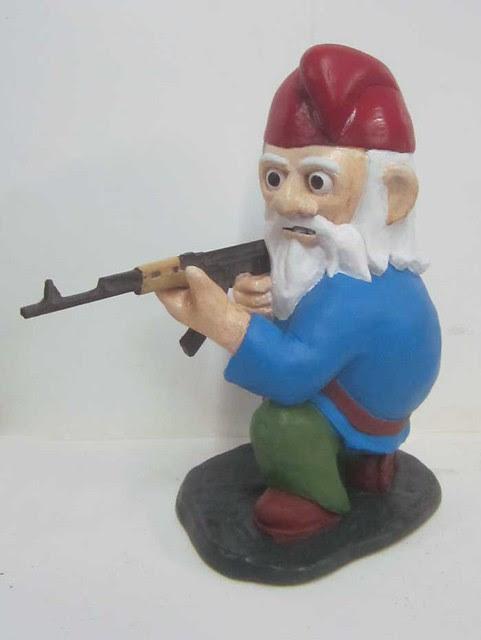 Gneeling Gnome AK47