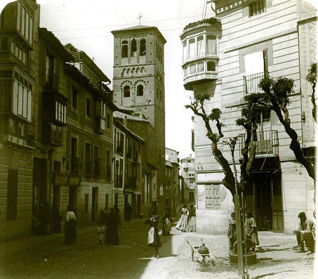 Calle de Santo Tomé en 1913. Fotografía de Luis Calandre Ibáñez