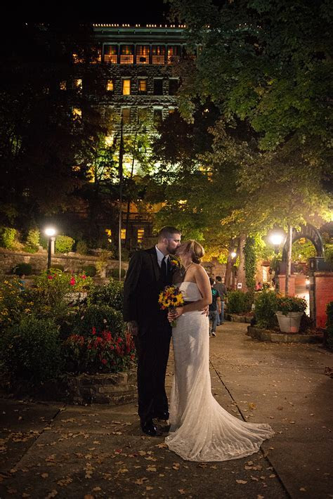 Arkansas wedding photos   Eureka Springs Weddings