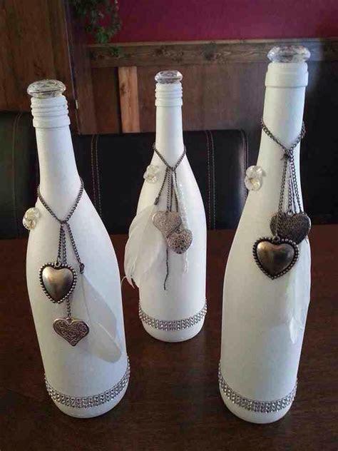 Gesso en wijnflessen   vaas   Pinterest   Empty wine