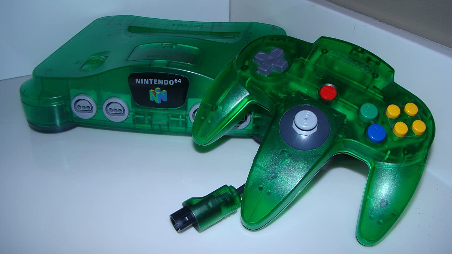Switch Pro Controllers got that N64 style coloring going ...