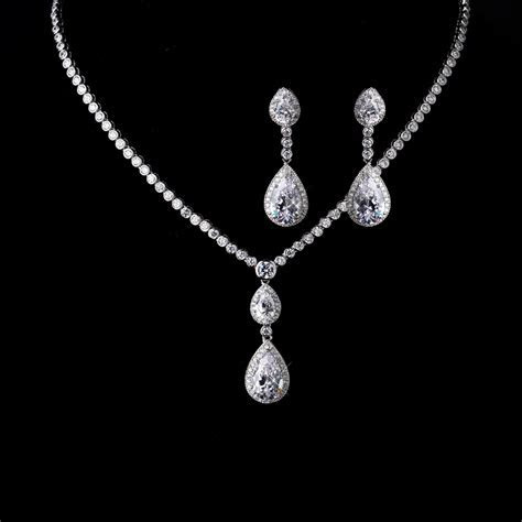 Teardrop Bridal Necklace and Earrings Set Gabi   Cubic
