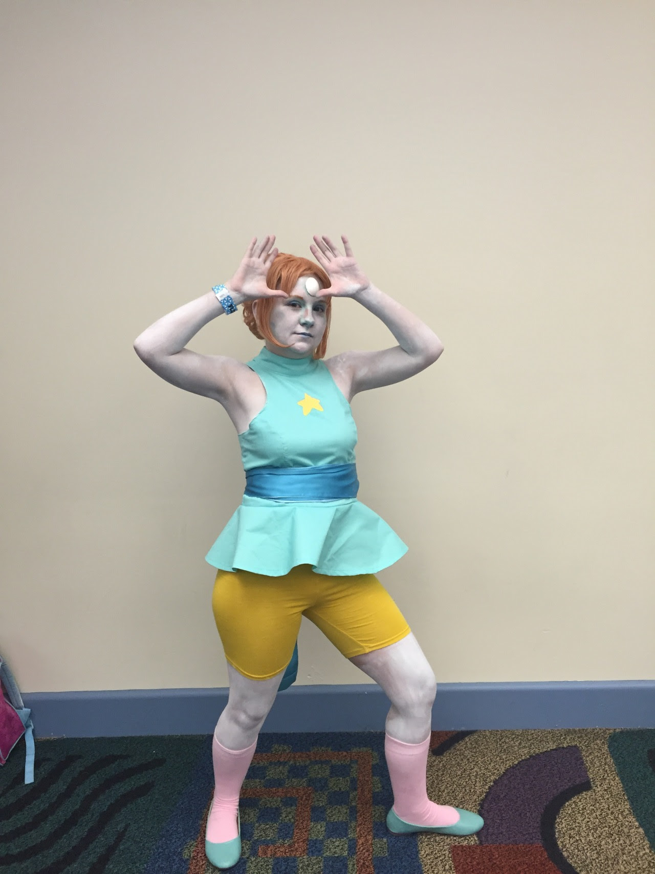 Finished Pearl cosplay! My makeup was a bit messed up but other than that I'm super happy with it!