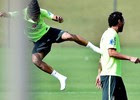 De meia e gorro, Neymar lidera 'altinho' no RJ (Gaspar Nobrega / Vipcomm)