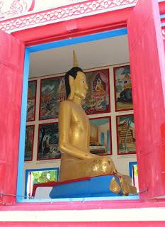 Buddha at Wat Sawang Arom