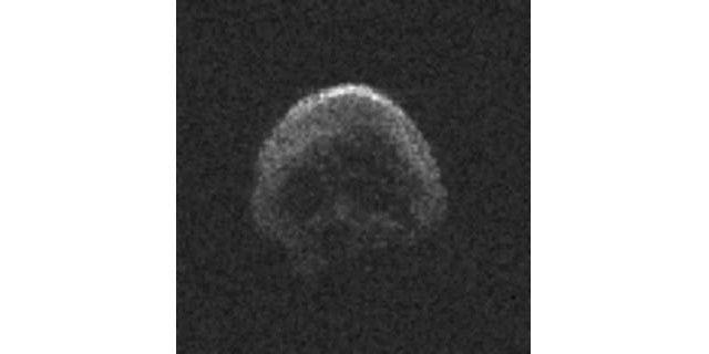 """La NASA publica imágenes detalladas del """"cometa calavera"""" que pasó cerca de la Tierra"""