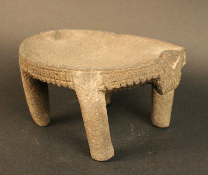 Piedra de moler con 4 patas