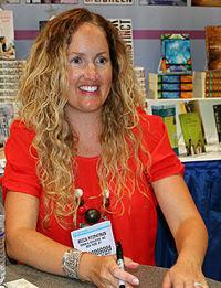 Becca Fitzpatrick 2014.JPG