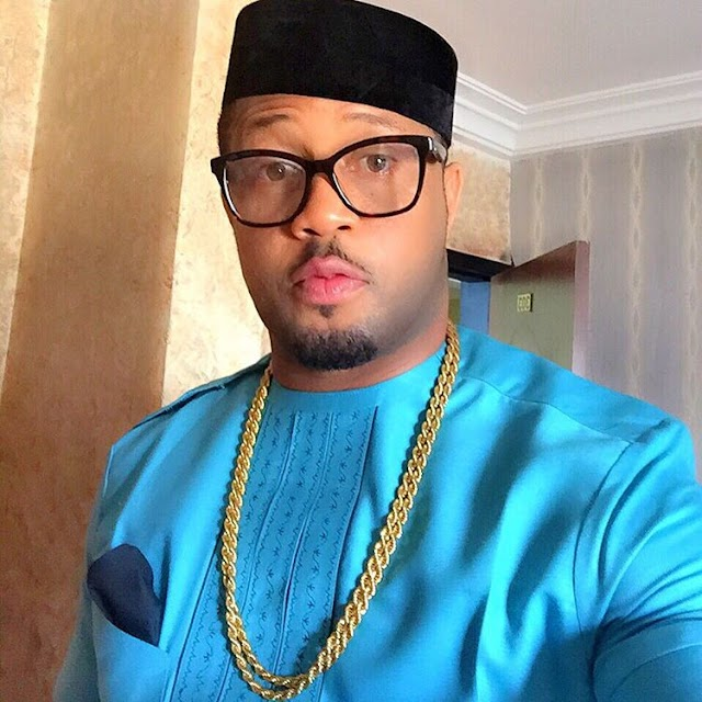 Video: Popular Actor, Mike Ezuruonye seizes pirated movie copy in traffic sold by hawker