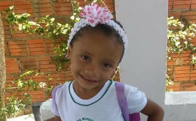Evelin Vitória Pereira da Cruz, de 4 anos, foi morta a tiros dentro de casa na noite desta segunda-feira em Muriú