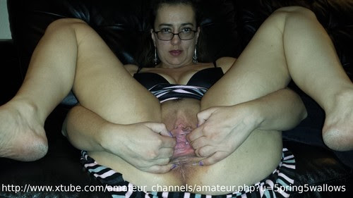 pulling pussy open
