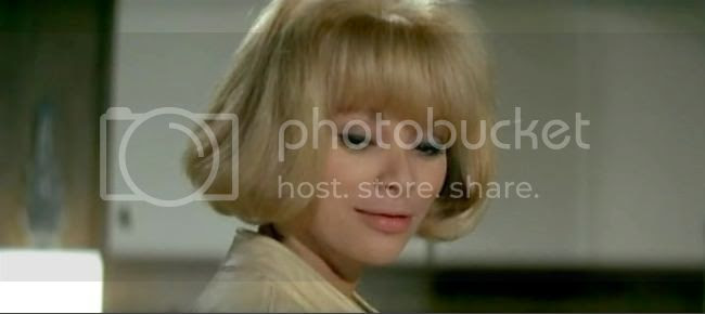 photo mireille_darc_blonde_pekin-6.jpg