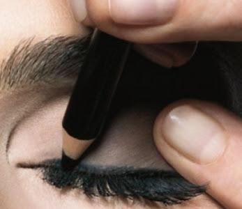 328996 Maquiagem com olhos esfumaçados 2dicas Maquiagem com olhos esfumaçados: dicas
