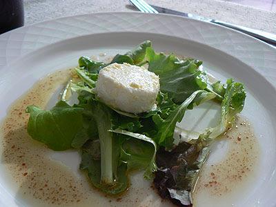 fromage de chèvre et mesclun.jpg