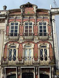external image 200px-Casa_Arte_Nova_Aveiro_by_Henrique_Matos_02.jpg
