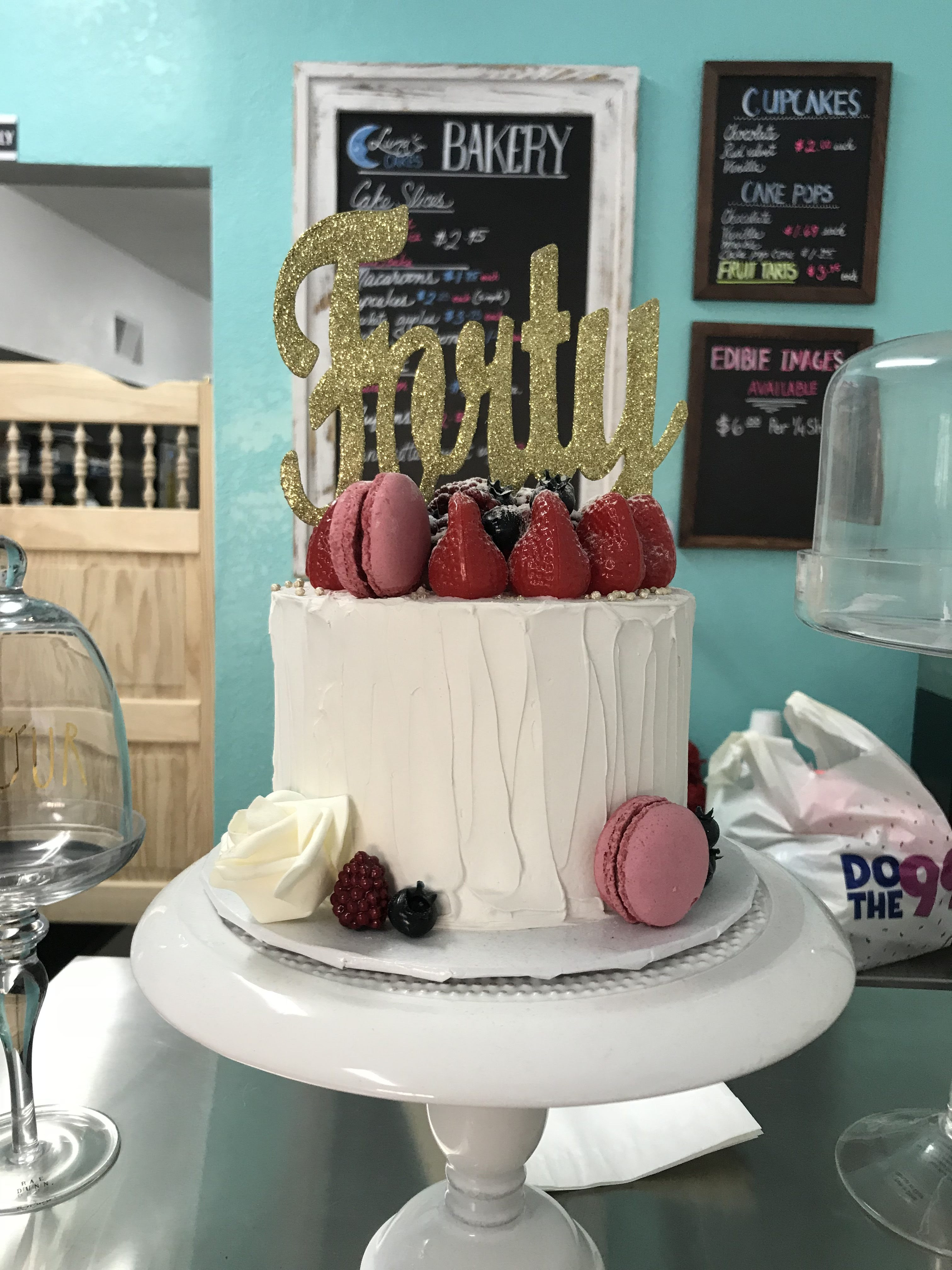 Luna S Cakes Celebrates One Month In West Adams
