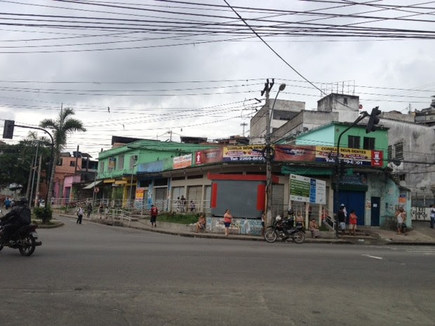 Comércio fechado na Rua Joaquim de Queiroz (Foto: Alba Valéria Mendonça/ G1)