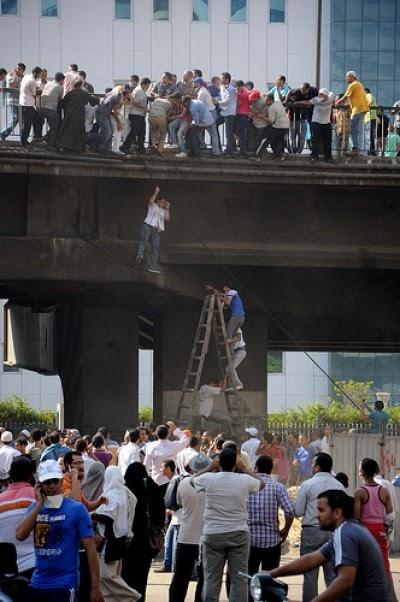 Egito: Apoiantes de Morsi vão prosseguir manifestações