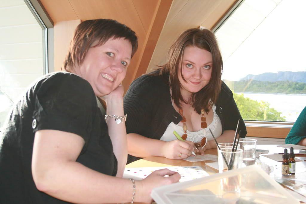 Rita og Anita i full konsentrasjon :)