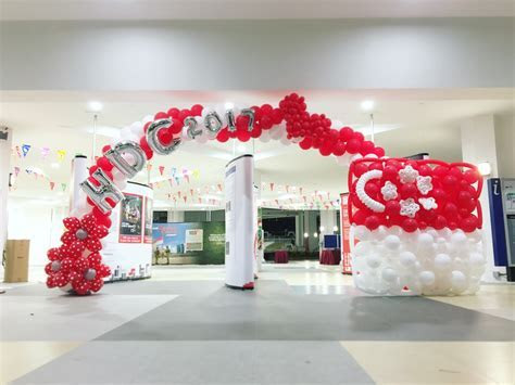 Singapore National Day Balloon Arch   THAT Balloons
