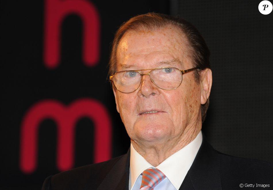 Roger Moore, um dos intérpretes do 007 morreu na Suíça, em 23 de maio de 2017, aos 89 anos vítima de câncer