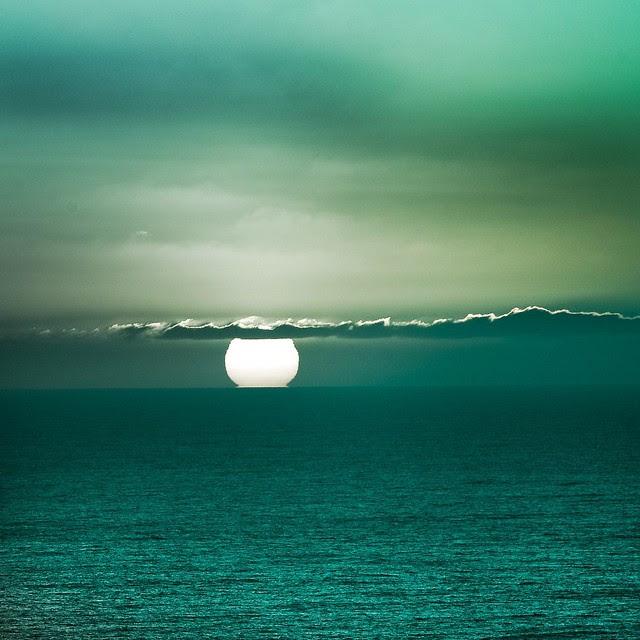 Cuba Gallery: New Zealand / nature / ocean / clouds / waves / sea / sky / blue / light / summer / sunset / landscape / photography
