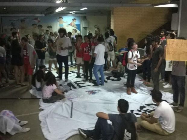 Estudantes ocuparam a Secretaria Estadual de Educação do RN (Foto: Eduardo Rodrigues/Inter TV Cabugi)