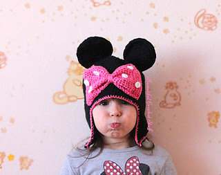 Crochet-minie-mouse-hat-pattern_small2