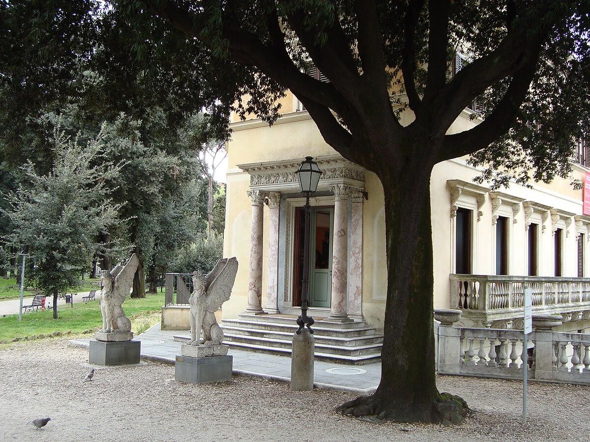Fil: Villa Torlonia3.JPG