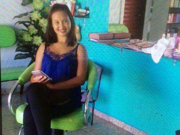 Adolescente Sarah Reis morreu ao tomar choque em poste, em Goiânia, Goiás (Foto: Reprodução/TV Anhanguera)