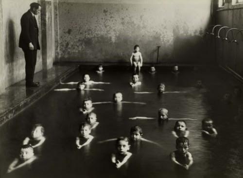regardintemporel:  François Kollar - Cours de Natation, Années 1930