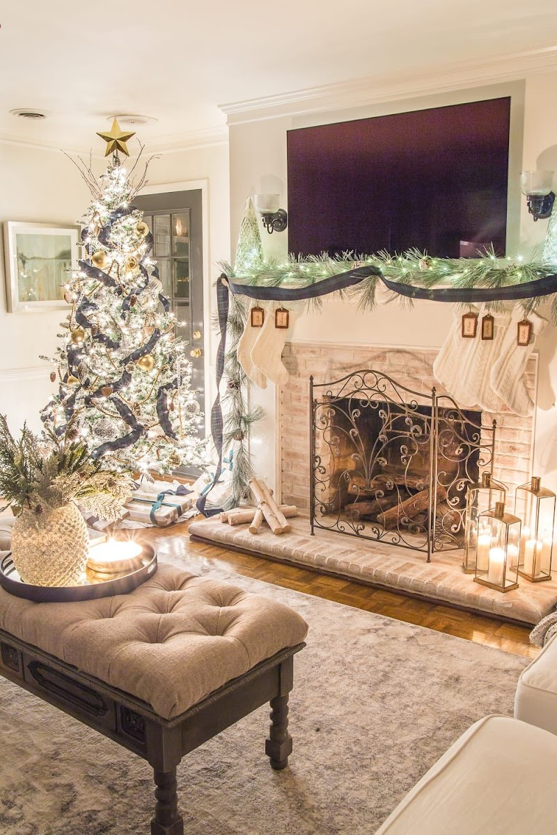 Ideas For Fireplace Design For Christmas wallpaper