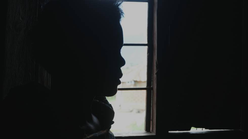 Musamba,víctima de mutilación genital, un matrimonio forzado, malos tratos y violaciones, denunció a su marido. Pero su futuro es incierto.