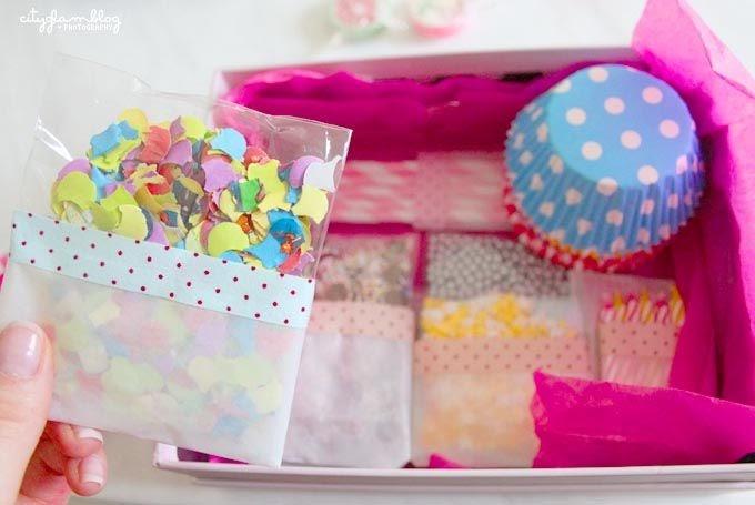 what ina loves diy cupcake berraschungspaket. Black Bedroom Furniture Sets. Home Design Ideas