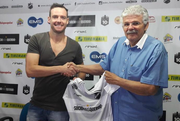 ABC - Tiago Sala, zagueiro (Foto: Assessoria de Comunicação/ABC FC)