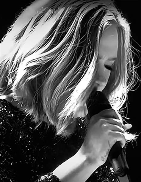 Adele - London | Adele, Cantantes, Peinados de adele