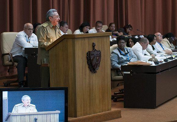 Raúl Castro dio su discurso en el Palacio de las Convenciones, donde sesiona la Asamblea. Foto: Irene Pérez/ Cubadebate.