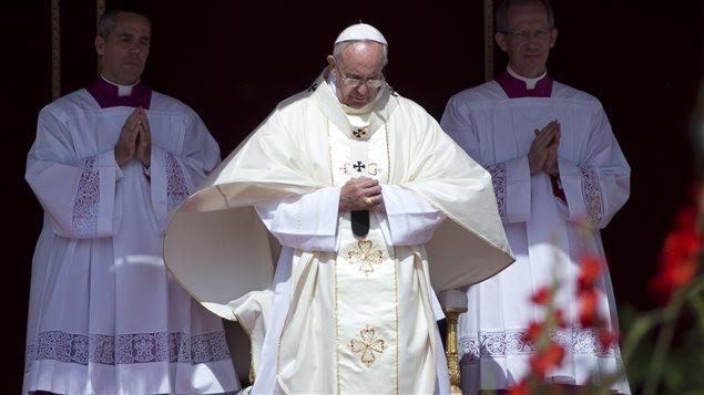 Le pape François lors de la cérémonie de canonisation de quatre religieuses, dont deux Palestiniennes, au Vatican.