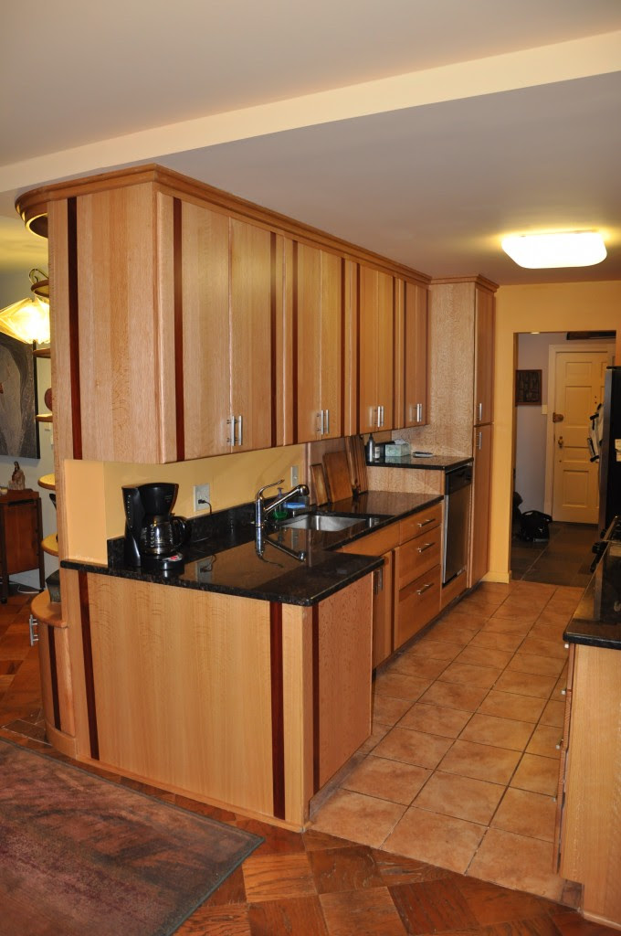 Kitchens With White Appliances And Oak Cabinets Oak ...