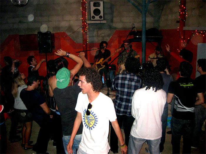 bailando con Porno para Ricardo