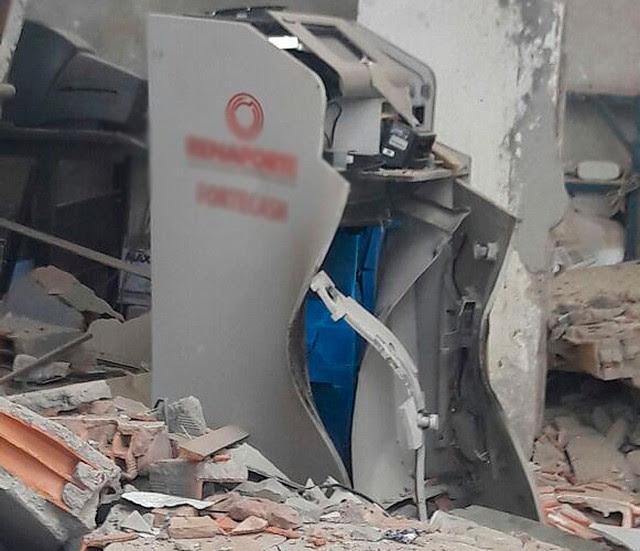 Não há informação de quanto foi roubado do cofre | Foto: Vanderson Nascimento/ TV Bahia